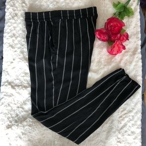H&M Black Pull-on Pants w/White Aztec Print Stripe